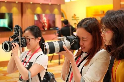 Canon sắp trình diễn sản phẩm mới và độc