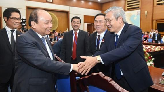 Thủ tướng Nguyễn Xuân Phúc gặp mặt lãnh đạo các hiệp hội doanh nghiệp trên toàn quốc. Ảnh: VGP/Quang Hiếu