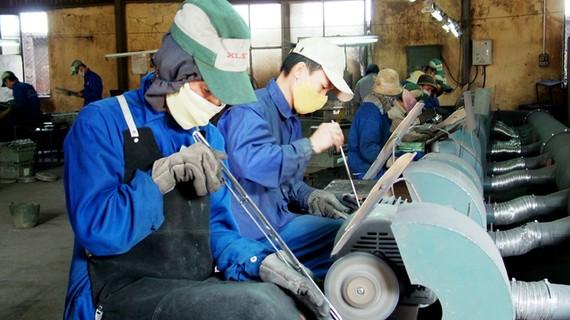 Khảo sát chính sách tiền lương và đời sống người lao động