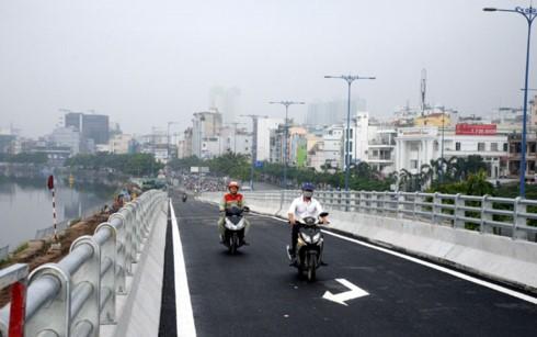 TPHCM: Thông xe cầu kết nối Nguyễn Tri Phương và Đại lộ Võ Văn Kiệt