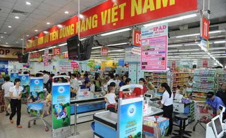 """Đẩy mạnh vận động """"Người Việt Nam ưu tiên dùng hàng Việt Nam"""""""