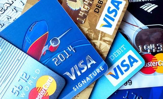 Từ 15 tuổi được sử dụng  thẻ tín dụng
