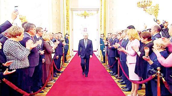 Tổng thống Nga Putin trong lễ nhậm chức nhiệm kỳ mới