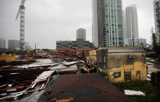 Bão Irma tàn phá bang Florida.
