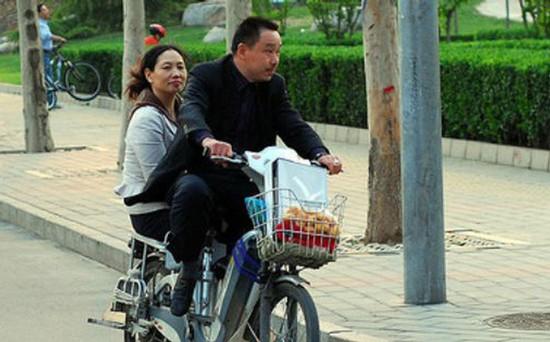 Xe đạp điện đã trở thành một phương tiện giao thông phổ biến ở Trung Quốc.
