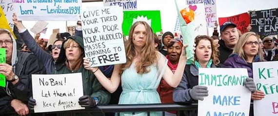 Dân Mỹ biểu tình phản đối chính sách siết chặt người nhập cư
