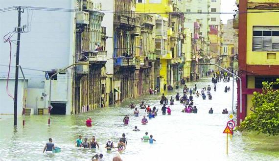 Bão Irma tấn công thành phố Havana (Cuba)