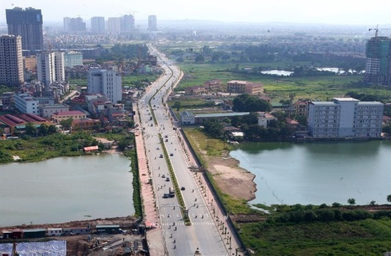 A view of the extension of Le Van Luong Street in the urban district of Thanh Xuan, southwest of Hanoi. (Photo: VNA/VNS)