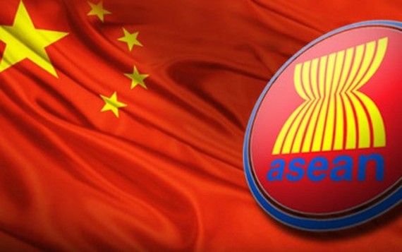 Foreign Ministers from ASEAN and China officially approved the draft framework of the Code of Conduct in the East Sea (COC) on August 6 in Manila, the Philippines (Source: Internet)