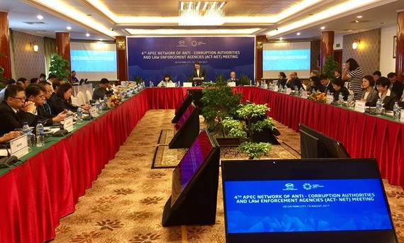 Delegates from 21 APEC-member economies at the 4th Meeting of the APEC Network of Anti-Corruption Authorities and Law Enforcement Agencies in HCM City on Saturday. (Photo: VNS)