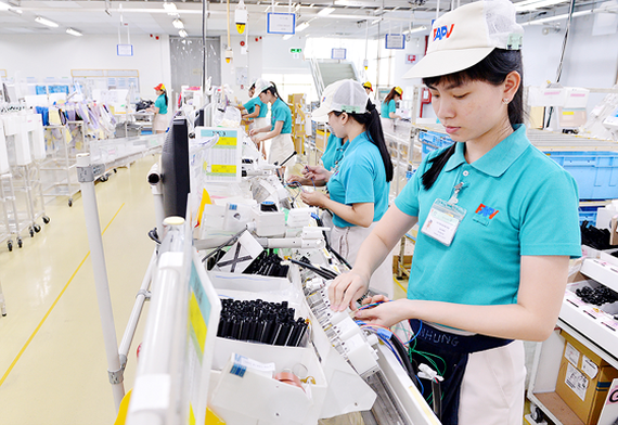 The production line of Japanese FAPV Company in Tan Thuan Export Processing Zone. The largest firm in the zone has operated for 20 years with 7,000 workers (Photo: SGGP)