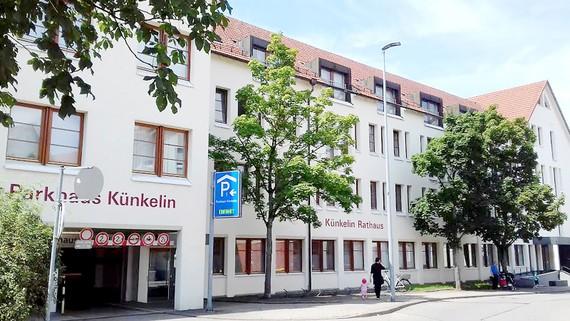 Tòa thị chính TP (bao gồm Sở Ngoại kiều) bang Baden-Württemberg, miền Nam nước Đức, nơi giải quyết giấy tờ kết hôn có yếu tố nước ngoài