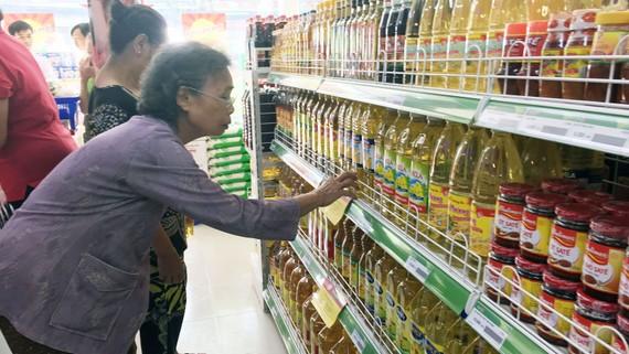Người tiêu dùng TPHCM ưu tiên chọn lựa hàng Việt chất lượng cao