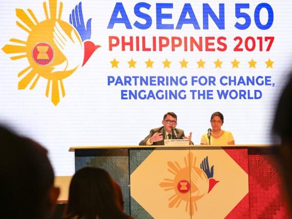 Họp báo tại hội nghị trù bị chuẩn bị cho Hội nghị cấp cao ASEAN lần 30