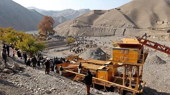 """Nước Mỹ và """"mỏ vàng"""" 3.000 tỷ USD ở Afghanistan"""