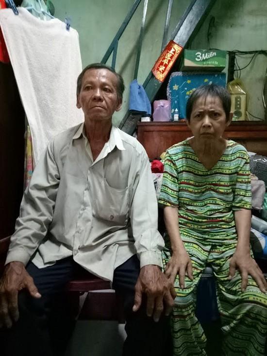 馮富夫婦求助醫藥費。