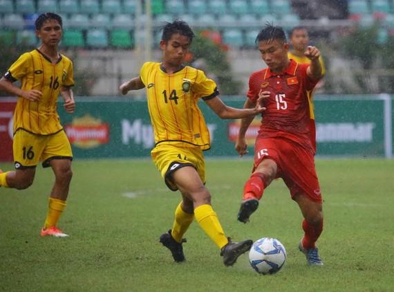 越南(紅色)對汶萊隊比賽一瞥。