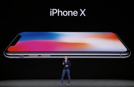蘋果公司在當日的發佈會上如期推出iPhoneX,以羅馬數字X表示10。(圖源:互聯網)