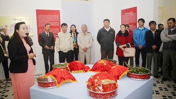 Độc đáo đám cưới cổ truyền ở cố đô Huế