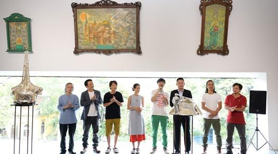 Các họa sĩ tham gia đợt trưng bày