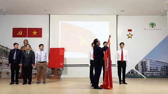 Bệnh viện Nhi đồng 2 đón nhận Huân chương Lao động hạng nhất
