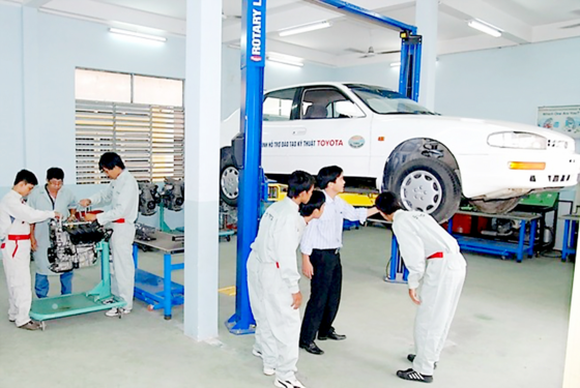 Students of Cao Thang Technical College are in practise class (Photo: SGGP