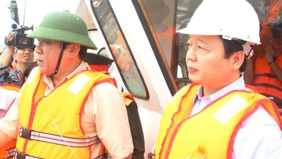 Efforts made to minimize oil spill threat in Quy Nhon