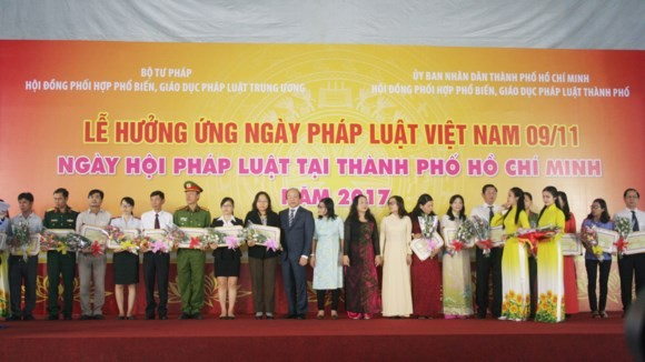 HCMC holds meeting in response to Vietnam's Law Day 2017