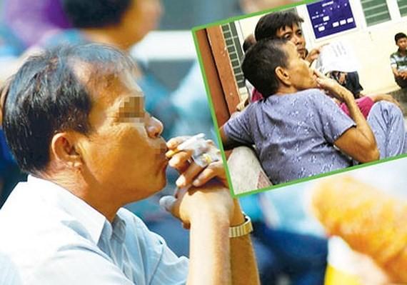 Many Vietnamese men still smoke a lot (Photo: SGGP)