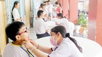Inter-inspectors check medical activities in schools
