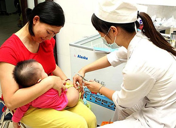 The Ministry of Health suggests that babies should be vaccinated as scheduled to prevent diseases