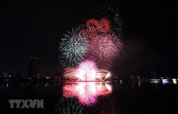 The firework display of Da Nang team of Vietnam (Photo: VNA)