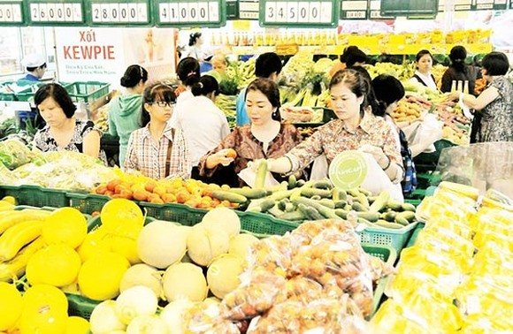 HCMC to pilot clean food supply program for schools in 6 districts