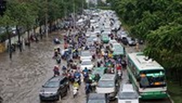 Comprehensive plan needed to prevent flooding in HCMC