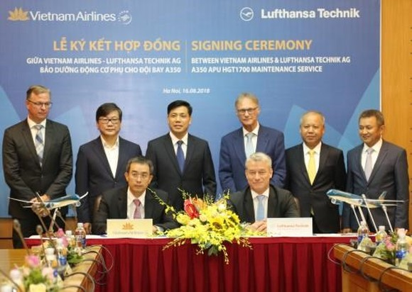Germany-based Lufthansa Technik AG will provide maintenance services for the auxiliary power units (APUs) of Vietnam Airlines' Airbus A350-900 fleet according to a contract signed on August 16. (Photo: Vietnam Airlines)