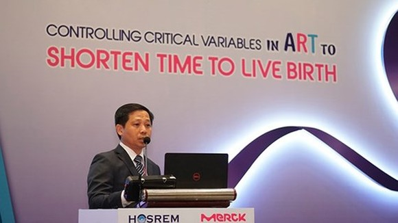 Dr. Ho Manh Tuong speaks at the seminar (Photo: SGGP)