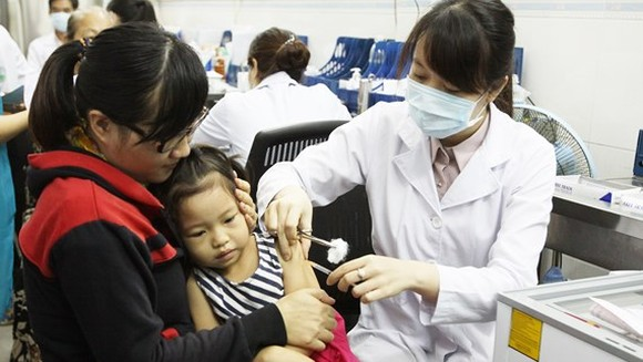 Supply shortage of Quinvaxem results in kids not being fully immunized