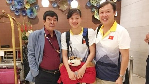 Anh Vien (C) arrives in Malaysia
