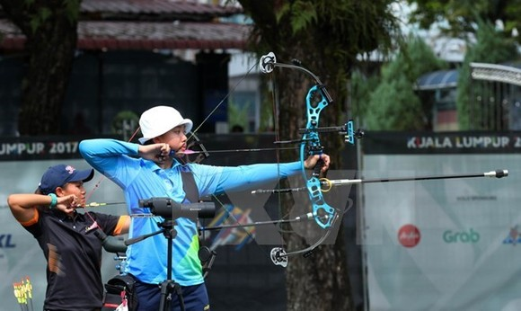 Vietnamese archer Chau Kieu Oanh at the 29th SEA Games (Photo: VNA)