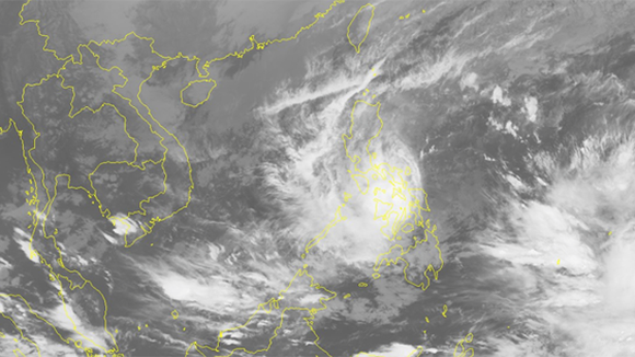 Typhoon Kai-tak is making landfall in the Philippines' central region