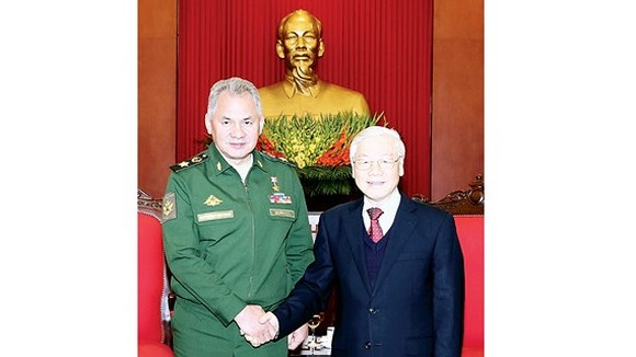General Secretary of the Communist Party of Vietnam Nguyen Phu Trong and Minister of Defense of the Russian Federation Shoygu Sergey Kuzhugetovich