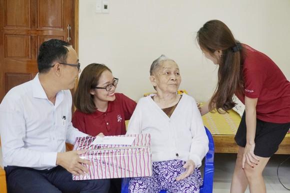 Hệ thống iSchool tri ân 54 Mẹ Việt Nam Anh hùng tỉnh Quảng Trị ảnh 1
