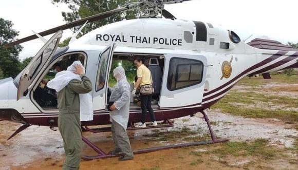 """Tất cả 13 thành viên đội bóng """"nhí"""" Thái Lan đã được giải cứu, HLV 25 tuổi ra sau cùng ảnh 4"""