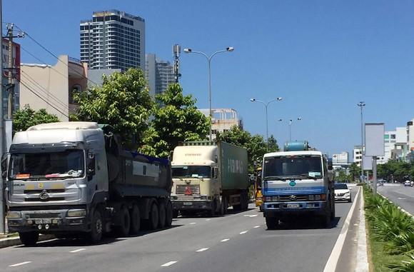 Nỗi lo hung thần xe tải ở TP Đà Nẵng ảnh 1