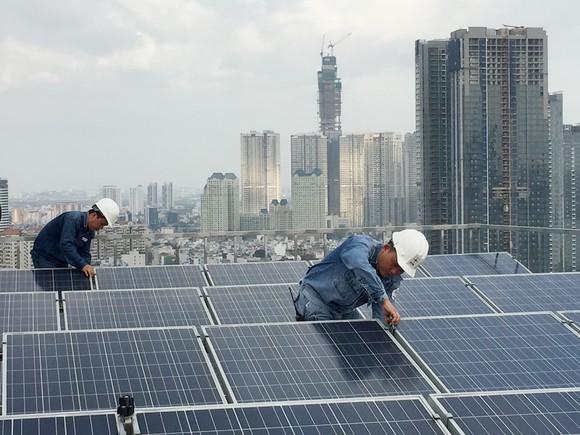 Lợi ích nhân đôi với điện mặt trời nối lưới ảnh 1