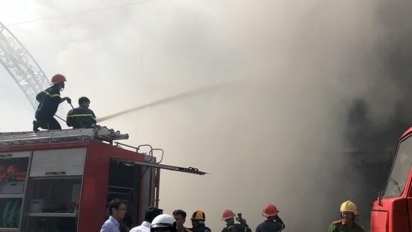 Cháy dữ dội ở quán bar giữa trung tâm TP Đà Nẵng  ảnh 7