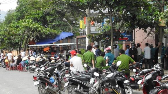 Đà Nẵng: Dân lại vây nhà máy thép Dana Ý  ảnh 4