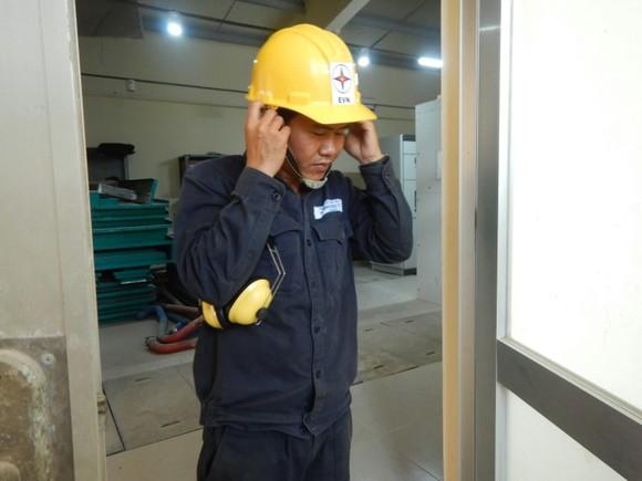 Khám phá cỗ máy cấp điện cho hàng vạn dân trên đảo Phú Quý ảnh 4