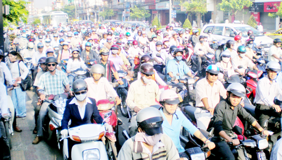 Common image during rush hours in Cong Hoa street, Tan Binh district, HCMC (Photo: SGGP)
