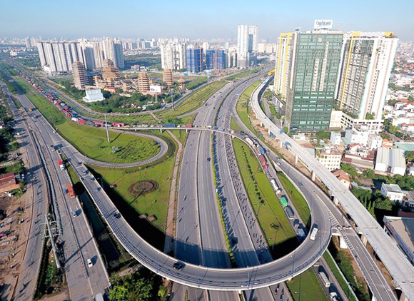 HCMC calls for investment to urban infrastructure projects (Photo: SGGP)